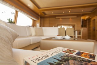Yacht PERPETUAL -  Salon seating