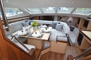 Yacht RAVEN -  Dining area