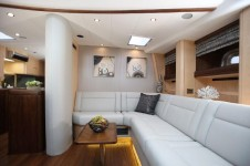 Yacht RAVEN -  Lower Salon Seating