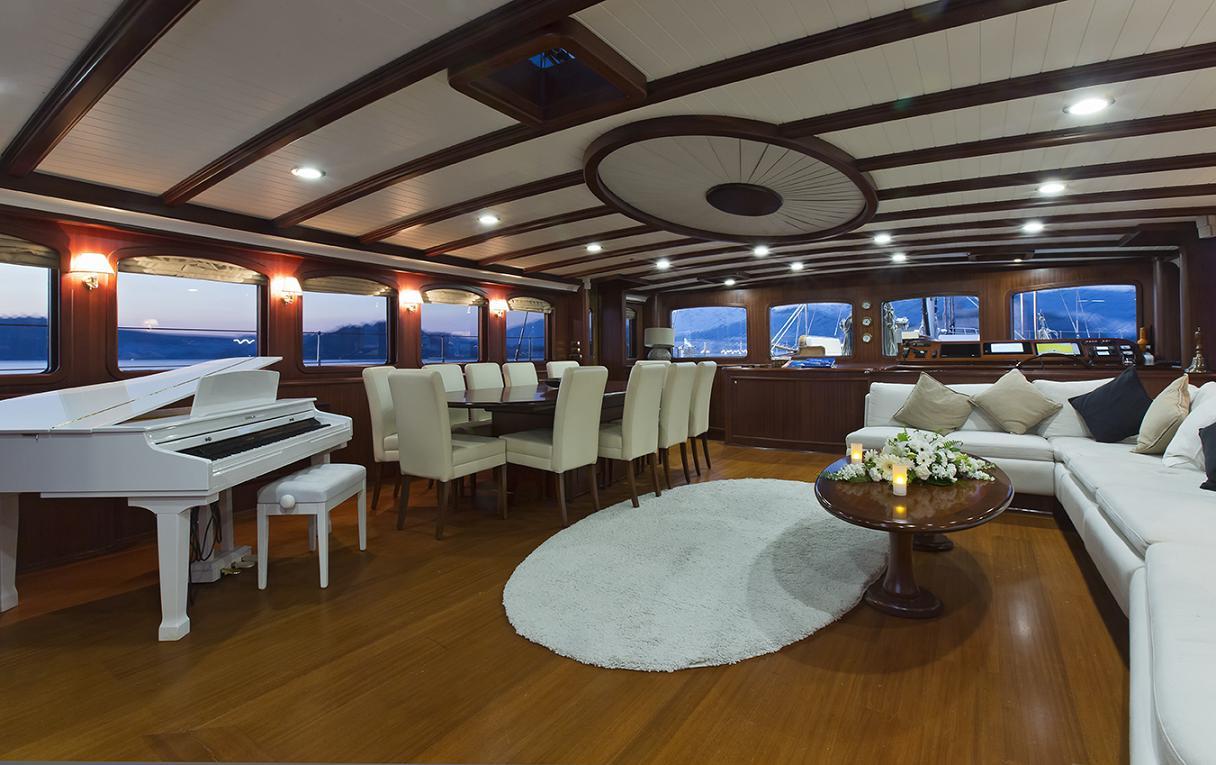 Yacht REGINA - Salon