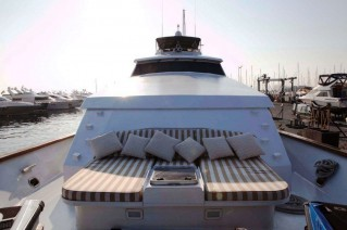 Yacht S & U -  Foredeck Seating