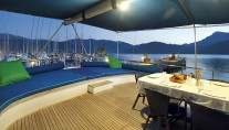 Yacht SARAYLI  I - Aft Deck Sunpads and Dining