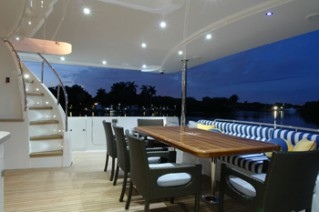 Yacht SEAS THE MOMENT -  Aft Deck dining