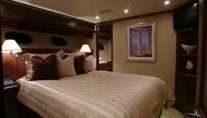 Yacht SEAS THE MOMENT -  Double Cabin
