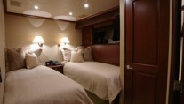 Yacht SEAS THE MOMENT -  Twin Cabin
