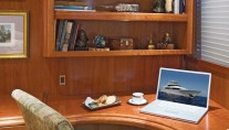 Yacht SERENGETI - Office