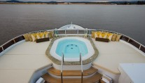 Yacht SILVER LINING - Jacuzzi on sundecl
