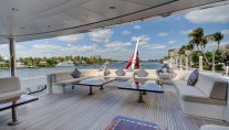 Yacht SOVEREIGN 55 - Aft deck seating