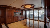 Yacht SOVEREIGN 55 - Main deck foyer