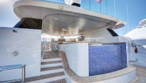 Yacht SOVEREIGN 55 - Sundeck with pool