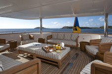 Yacht STARFIRE -  Bridge Deck Exterior Seating