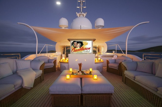 Yacht STARFIRE -  Cinema on Sundeck