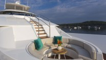 Yacht TRISARA -  Foredeck Seating