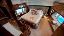 Yacht TUPPENCE -  Master Cabin on split levels
