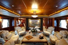 Yacht UNBRIDLED -  Main Salon