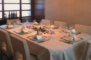 Yacht UNICA - Dining
