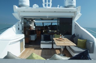 Yacht VIBE - Aft Deck
