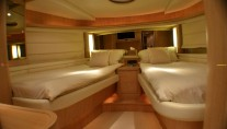 Yacht WELL DONE -  Twin Cabin