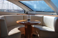 Yacht WINNING STREAK -  Forward Seating