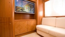 Yacht YUMI -  Convertible Guest Cabin with TV