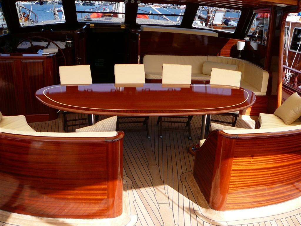 Zephyria ii dining table 2 luxury yacht browser by for Table design yacht