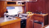 bavaria42galley
