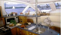 catana-52-galley