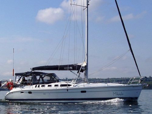 Hunter 46 sailing charter yacht - Pacific Northwest bareboat sailing yacht