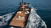 Yacht H2OME - aft