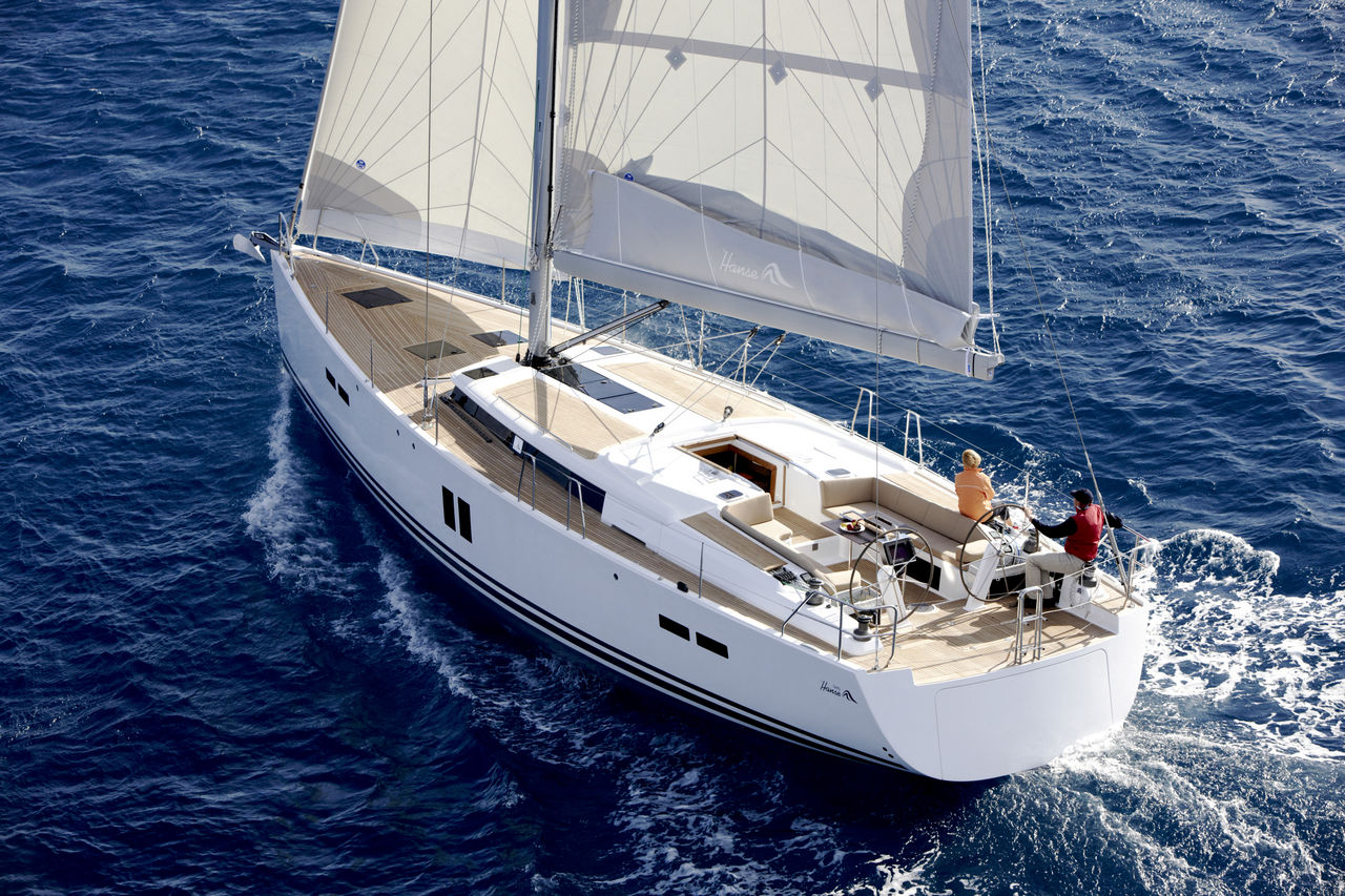 The Hanse 545 - a larger version of the 445