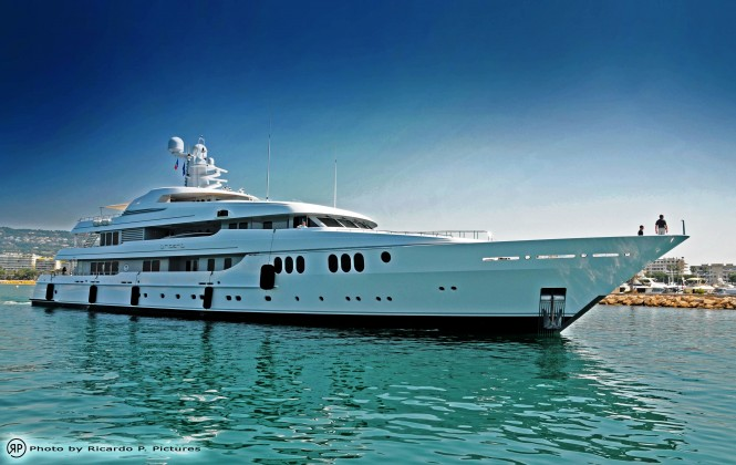Yacht Trident in Cannes - Photography by Ric Pilguj