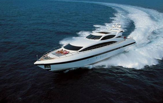 This image is featured as part of the article Super Yacht Mangusta 105′ at ...