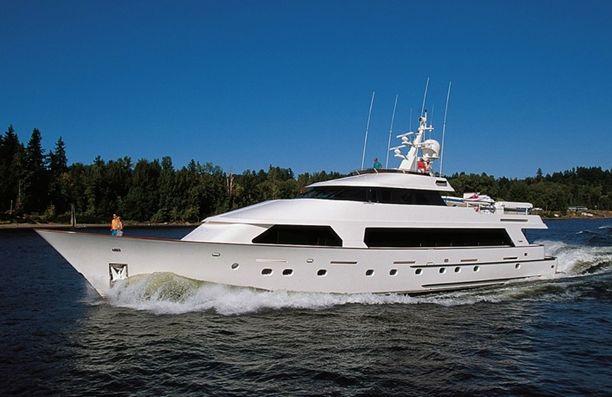 Motor yacht Emerald Isle - Christensen Yachts