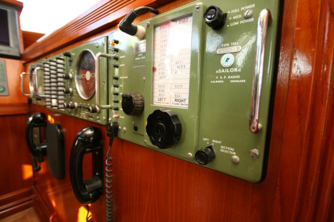 Motor yacht Sea Breeze -  Controls