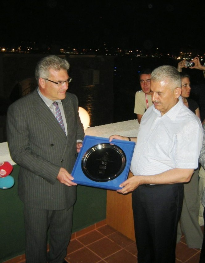 Nick Maris Presents Salver to Minister of Tourism