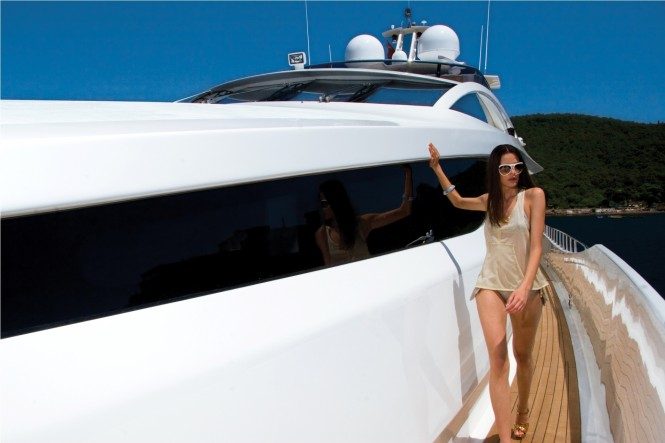 Side Deck on the Numarine 102 Superyacht