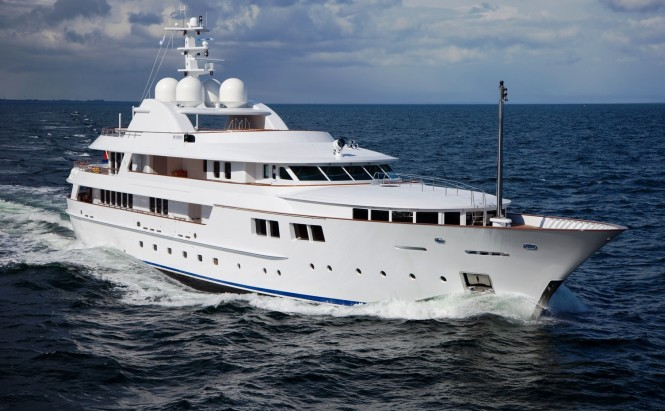 Superyacht Jamaica Bay underway