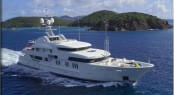 Superyacht Solemar repainted at ACA Marine