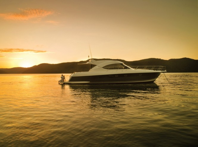 The Riviera 5000 Sport Yacht features a striking European design