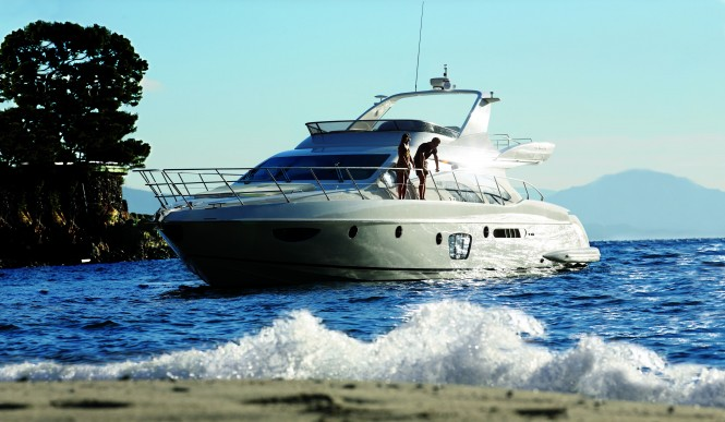Some of the most recent models like the Azimut 38, 53, 58, 64, 70 and 78 ...