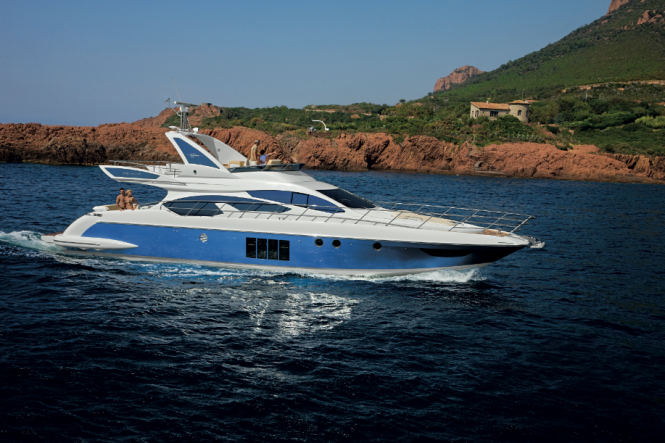 The Azimut 64 motoryacht is the natural heir to the Azimut 62 yacht, ...