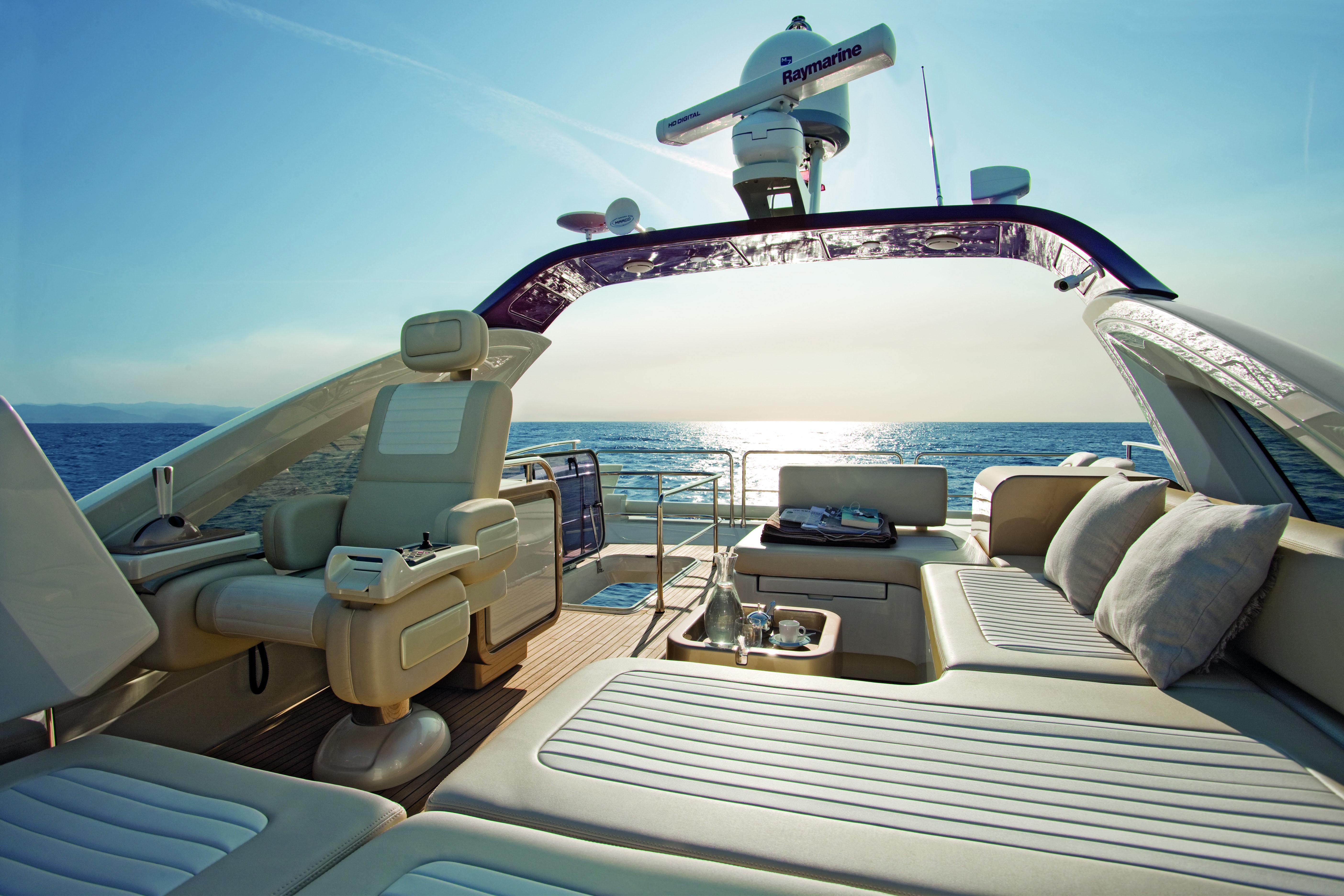 Azimut 72S Yacht Flybridge