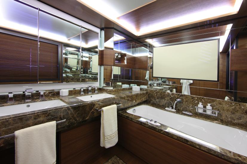Owners Bathroom Benetti Delfino 93 Motor Yacht