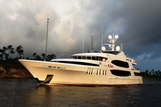 Superyacht Mi Sueno Exterior - Photo Courtesy of Patrick Knowles Designs.