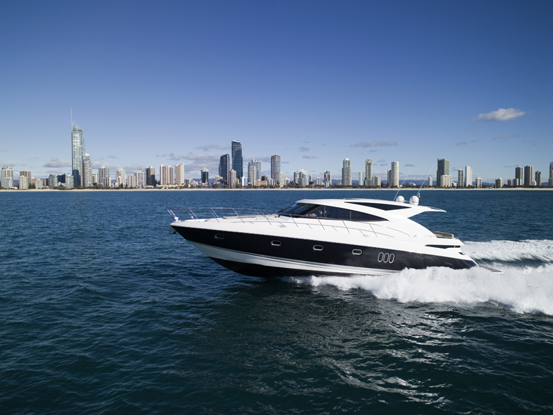 The Riviera 5800 Sport Yacht with IPS will have its US debut at Fort ...