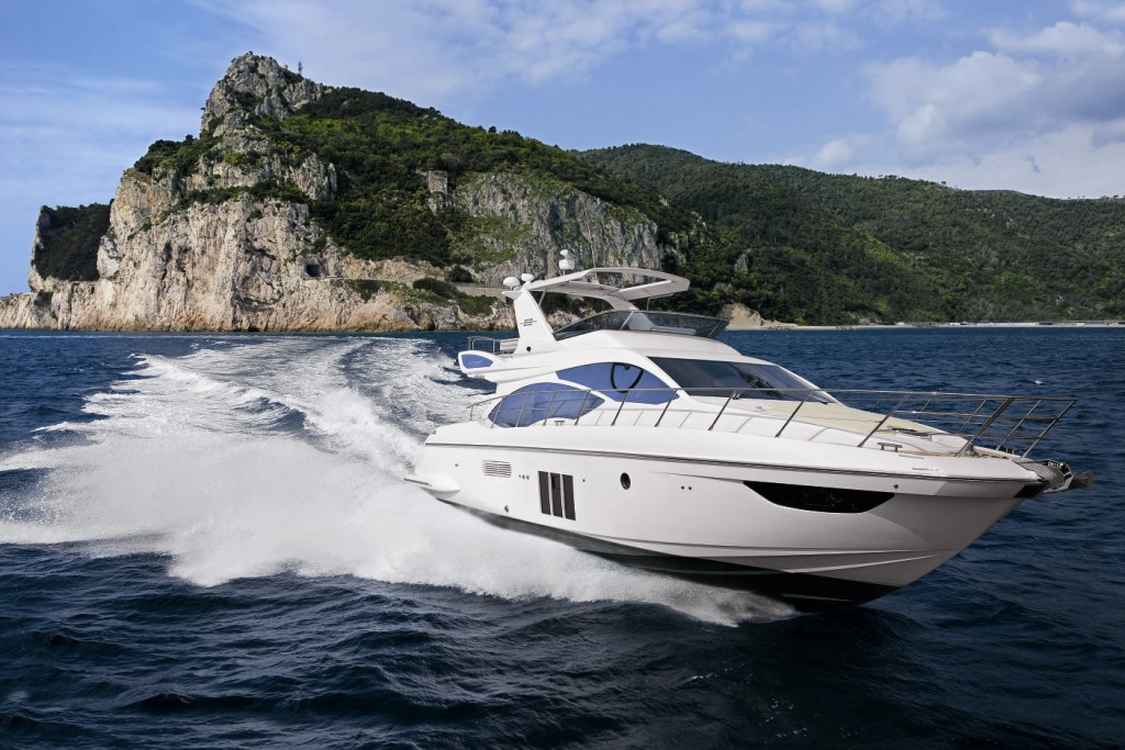Azimut 53 Motor yacht running - Credit Azimut Yachts