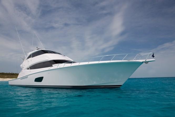 Bertram 800 motor yacht