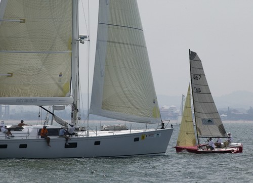 Little and large - Intrigue (80') and Pornstar (6.5m) were racing in the ...