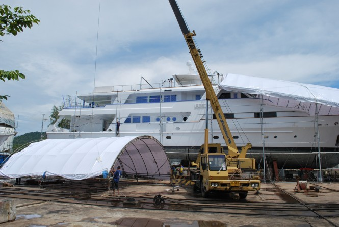 Superyacht Amoha being prepared by the Yacht Solutions paint team.