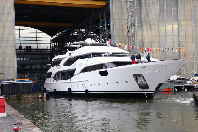 Benetti Crystal 140′ motor yacht